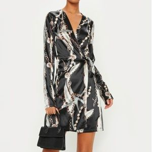 NWT PrettyLittleThing chain print wrap dress 2